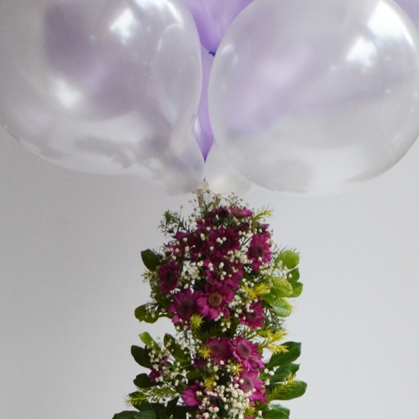 Blooming Balloons with Daisies